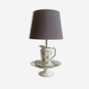 Lampe de table en porcelaine ancienne, tasses, sucriers, soucoupes - New Decorum