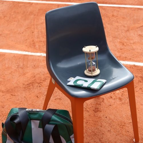 chaise-design-roland-garros-court-numéro-1-recyclage-we-are-tennis